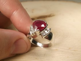 Gorgeous Sterling Genuine 2ct Ruby Ring 7.5