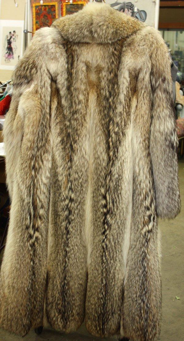 Wolf Fur Coats - Tradingbasis