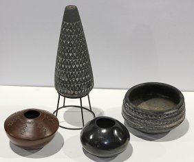 (lot Of 4) Native American Pottery Vessels
