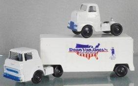 Tootsietoy 2944 Dean Van Lines Truck