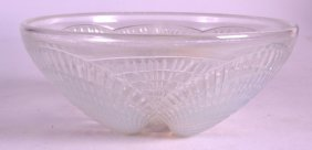 An Art Deco French Lalique 'coquille' Bowl. 5ins