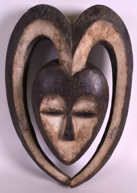 An Early 20th Century African Carved Wood Mask With