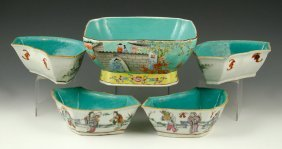 Five Republic Period Chinese Porcelain Items