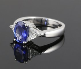 Ladies' Sapphire And Diamond Ring
