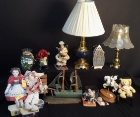 19 Piece Mixed Item Group Lot Mini Bench , 4 Dolls ,
