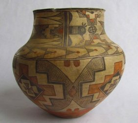 Early Large Zuni Polychrome Olla