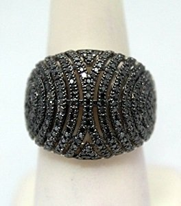 Elegant Black Diamonds Silver Ring