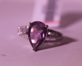 Exquisite Sterling Silver Ring With Pear Cut Amethyst