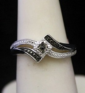Very Fancy Silver Ring With Black & White Diamonds