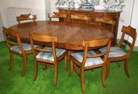 FEDERAL STYLE MAHOGANY DINING TABLE & CHAIRS