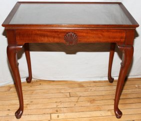 "QUEEN ANNE STYLE MAHOGANY TEA TABLE, H 25"","