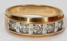 MEN'S 14KT. YELLOW GOLD & DIAMOND RING