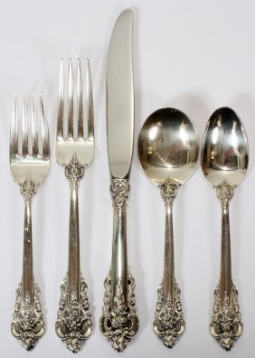 WALLACE 'GRAND BAROQUE' STERLING FLATWARE SET