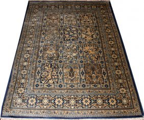 Middle Eastern Style Oriental Rug