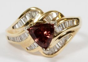 14kt Yellow Gold Color Change Garnet & Diamond Ring
