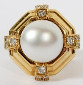 Mabe Pearl And Diamond Gold Ring