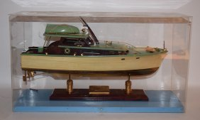 """Wheeler Express Cruiser Yacht Model, 20""""l, Case 23"""