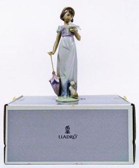 Lladro Figurine - Summer Stroll #7611