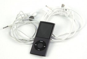 APPLE IPOD NANO 8 GB 4TH GEN. W/ HEADSET & CABLE