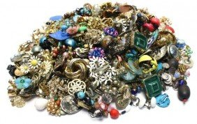 LARGE LOT OF COSTUME EARRINGS OVER THREE POUNDS