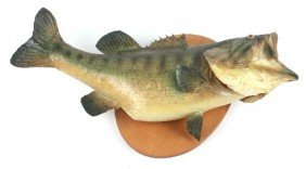 LARGEMOUTH BASS ON WOOD PLAQUE