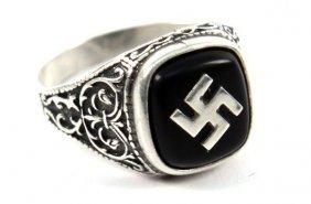 WWII GERMAN NAZI SWASTIKA RING IN SILVER