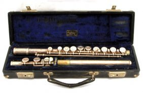 Vintage Armstrong Model 104 Flute With Case
