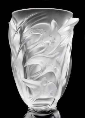 Lalique French Frosted Crystal Martinets Vase