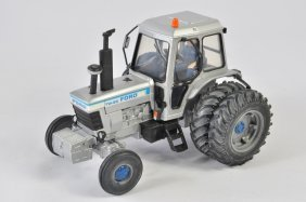 Britains 1/32 Ford Tw20 Tractor Prototype. Produced As