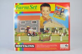 Britains 1/32 Farm Set Including Buildings, Tractor And