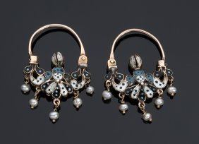 A Fine Pair Of 14k Gold Earrings, Early 19th Century
