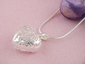 925 Sterling Silver Heart Pendant Snake Chain Necklace