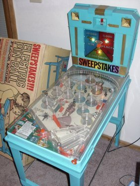 VINTAGE MARX HORSE RACING PINBALL GAME