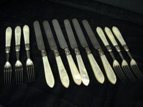 VINTAGE MOTHER OF PEARL FLATWARE 12 PC