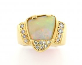 New 18k Yellow Gold Diamonds And Opal Ring