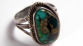 Sterling Silver & Turguoise Native American Ring Size 7