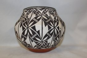 Acoma Polychrome Pottery Olla With Interior Banding