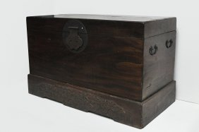 Chinese Antique Colossal Trunk