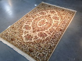 4x6 Super Hand Knotted Wool And Silk Floral Rug