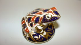 Royal Crown Derby Frog Paperweight
