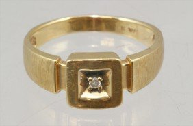 14K YG Man's Ring With Small Diamond, 3.0 Dwt, Size