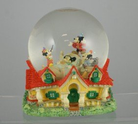 "Mickey Mouse Dreaming Musical Snow Globe, ""When Y"