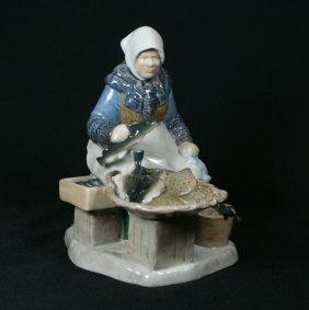 Bing & Grondahl Figurine, Fish Market, #2233, 8 1