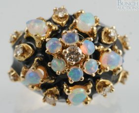 14K YG Ladies Ring With 10 Opals And 10 Diamonds