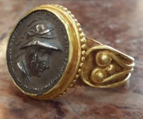 Ancient Gold Cameo Ring 13.40 Grams