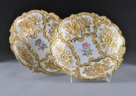 A PAIR OF MEISSEN PARCEL GILT AND MOLDED DISPLAY B