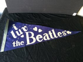 """i Luv The Beatles""pennant"