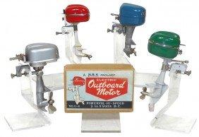 Miniature Outboard Motors & Box (5), Silver IMP,