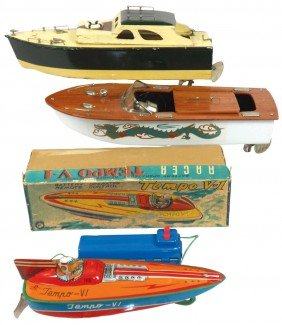 Toy Boats (3), Fleet Line Dragon Boat, Wood W/dec