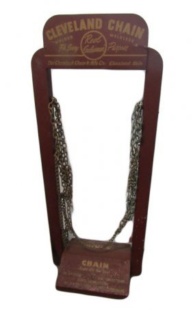 Cleveland Chain Display Rack